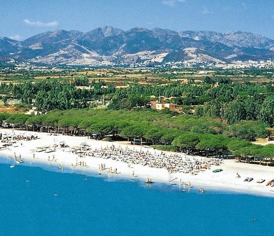 Villaggio 4 stelle a 50 mt da una spiaggia bianchissima for Villaggio li cuncheddi sardegna